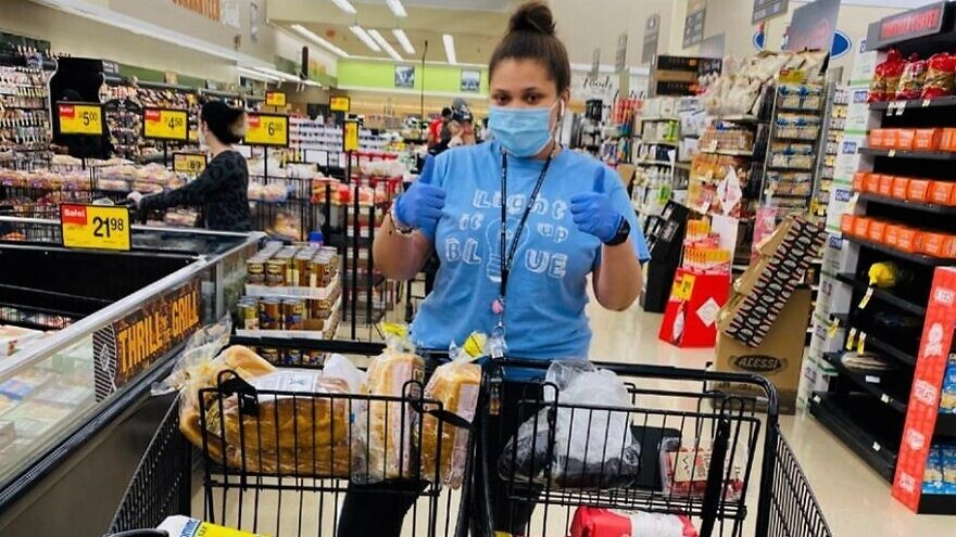 Kaila Zimmerman-Moscovitch of Chicago has been spending time during the coronavirus pandemic shopping for groceries for the elderly and homebound. Credit: Chabad.org/News.
