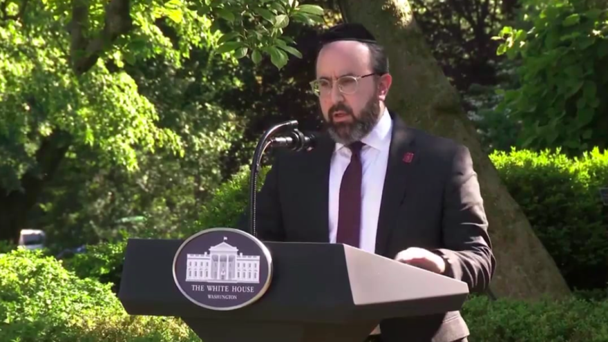 Rabbi Ariel Sadwin, director of Agudath Israel of Maryland, delivering a prayer at the White House National Day of Prayer Service in the Rose Garden on May 7, 2020. Source: Screenshot.