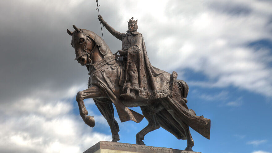 A statue of King Louis IX of France. Credit: Wikimedia Commons/Ryan Ashelin.