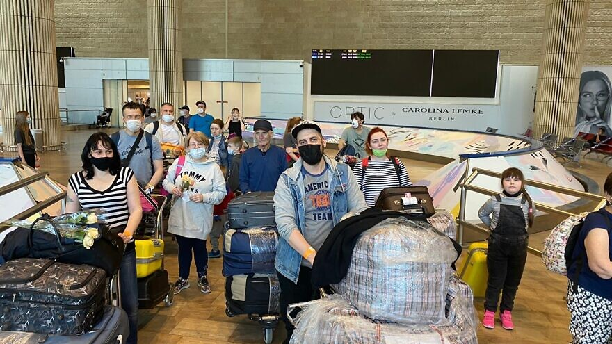 The International Christian Embassy Jerusalem funded an aliyah flight for 57 Russian-speaking Jews, who arrived at Ben-Gurion Internationa Airport on June 16, 2020. Credit: JAFI/ICEJ.