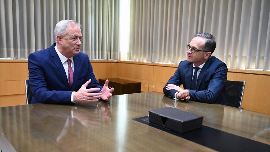 Israeli Defense Minister and Vice Premier Benny Gantz (left) meets with German Foreign Minister Heiko Maas in Jerusalem on June 10, 2020. Source: Twitter, Benny Gantz.