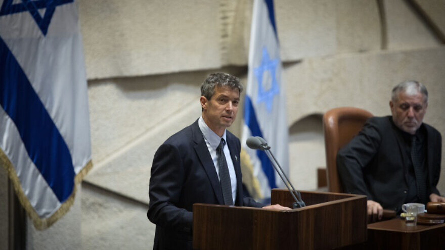 Blue and White Knesset member Yoaz Hendel speaks in the Knesset on May 13, 2019, during a Plenary Hall session. Photo by Noam Revkin Fenton/Flash90.