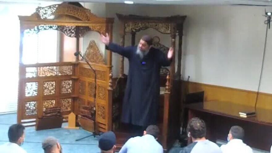 Imam Fadi Yousef Kablawi speaks at the North Miami Islamic Center on June 5, 2020. (MEMRI)