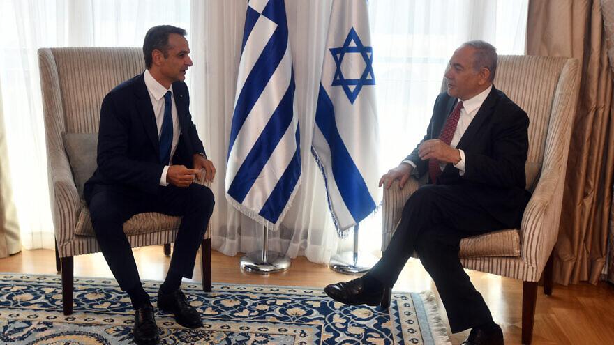 Israeli Prime Minister Benjamin Netanyahu and Greek Prime Minister Kyriakos Mitsotakis meet at the Waldorf-Astoria Hotel in Jerusalem. Photo: Haim Zach/GPO.