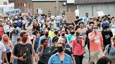 Hordes of people protest against police violence one day after the death of George Floyd, a 46-year-old African-American, while in police custody in Minneapolis, May 26, 2020, Credit: Fibonacci Blue via Wikimedia Commons.