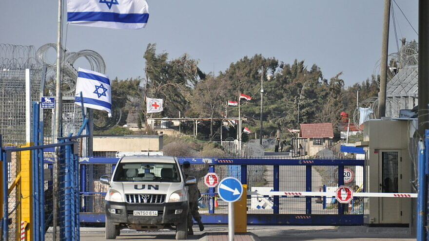 A U.N. vehicle at the border crossing between Syria and Israel at the Golan Heights. Source: Wikimedia Commons.