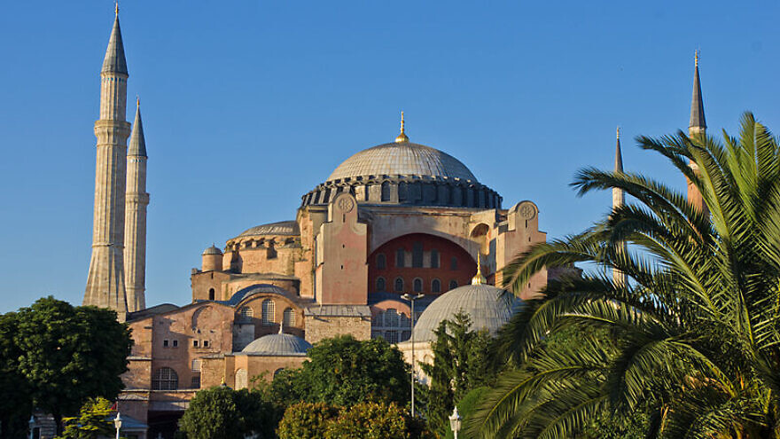 The Hagia Sophia Museum in Istanbul, July 9, 2011. Credit: Antoine Taveneaux via Wikimedia Commons.