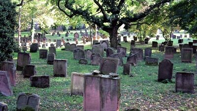 Heiliger Sand Jewish Cemetery in Worms, Germany (prior to July 2020 vandalism). Credit: Wikimedia Commons.