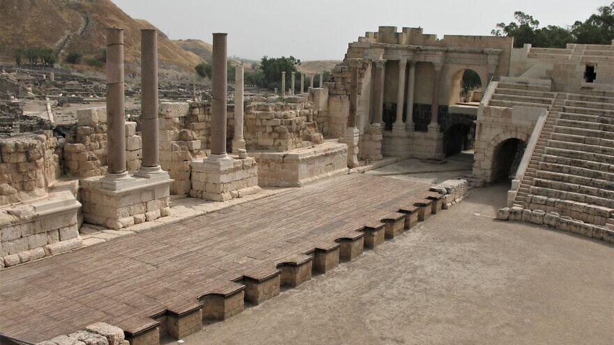 The amphitheatre in Beit She'an, Israel, May 4, 2007. Credit: James Emery via Wikimedia Commons.