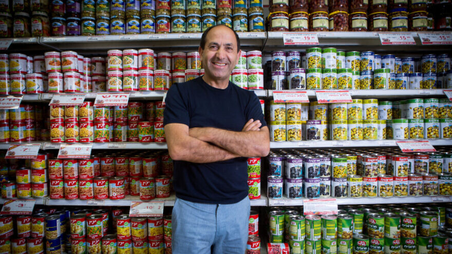 Israeli supermarket magnate Rami Levi in one of his stores in Jerusalem on June 23, 2016. Levy operates a chain of 27 discount supermarkets in central and northern Israel, employing over 5,000. Photo by Miriam Alster/Flash90.