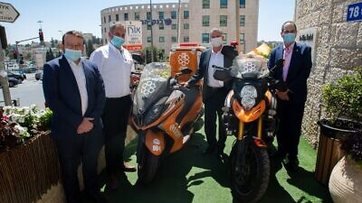Israeli Health Minister Yuli Edelstein made an official visit to the headquarters of United Hatzalah of Israel in Jerusalem, Aug. 16, 2020. Credit: United Hatzalah