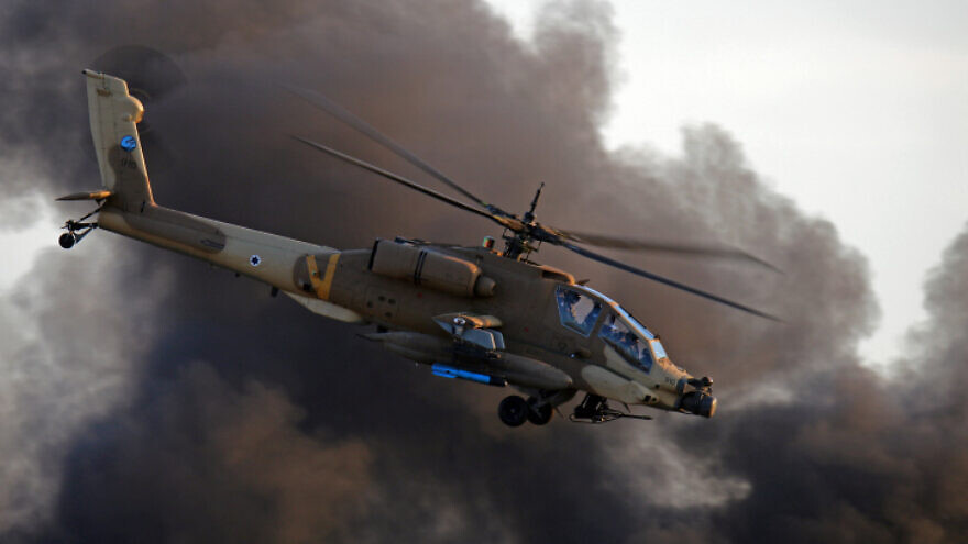 Israel Air Force Boeing AH-64 Apache, Dec. 31, 2015. Photo by Ofer Zidon/Flash90.