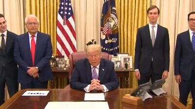 U.S. President Donald Trump and other administration officials announcing the deal between Israel and the United Arab Emirates, Aug. 13, 2020. Source: Screenshot.