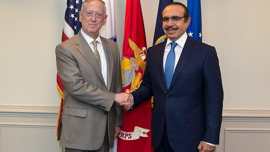 U.S. Defense Secretary Jim Mattis with Bahrain's Interior Minister Rashid bin Abdullah Al Khalifa at the Pentagon in Washington, D.C., July 13, 2017. Photo: U.S. Army Sgt. Amber I. Smith/DOD via Wikimedia Commons.