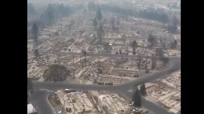 Drone footage of the destruction from the wildfires in Oregon. Source: Screenshot.
