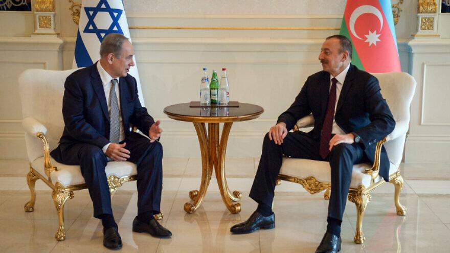 Le Premier ministre israélien Benjamin Netanyahu rencontre le président azerbaïdjanais Ilham Heydar Oghlu Aliyev, le 13 décembre 2016. Photo de Haim Zach / GPO.