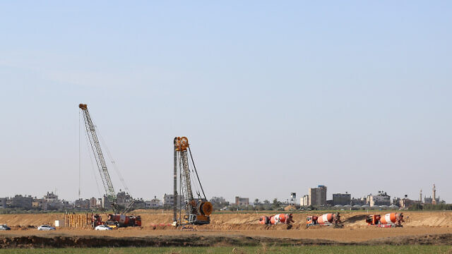 A view of construction work on the fence on the border between Israel and the Gaza Strip, Dec. 31, 2019. Photo by Flash90.