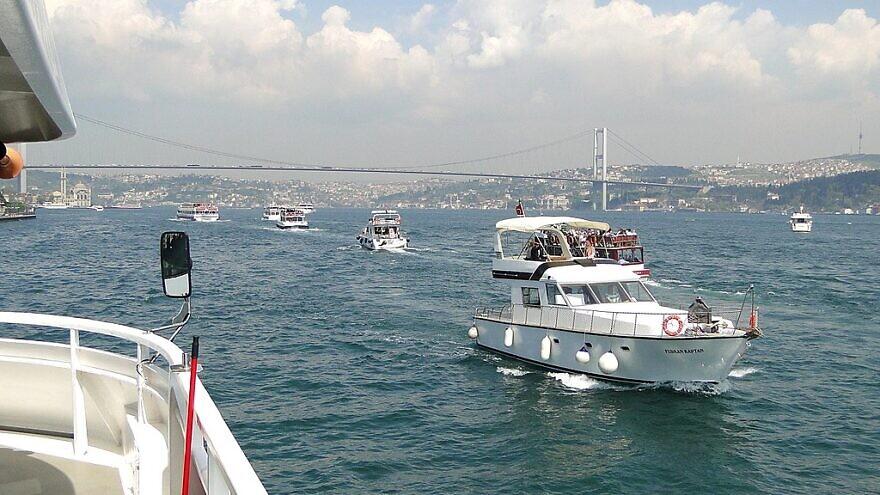 Boats on the Bosporus Straits near Istanbul, May 15, 2011. Credit: Adam Jones via Wikimedia Commons.