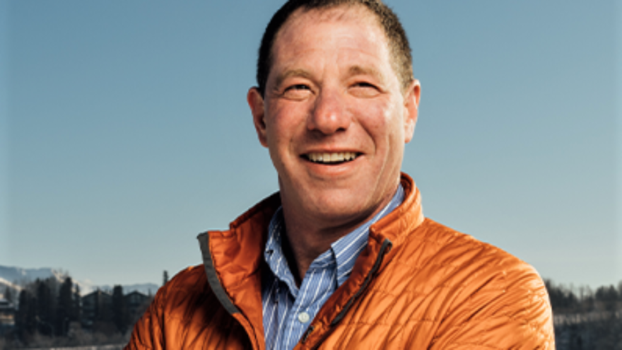 Independent Al Gross, a Jewish candidate for U.S. senator in Alaska in the 2020 U.S. elections. Source: Twitter.