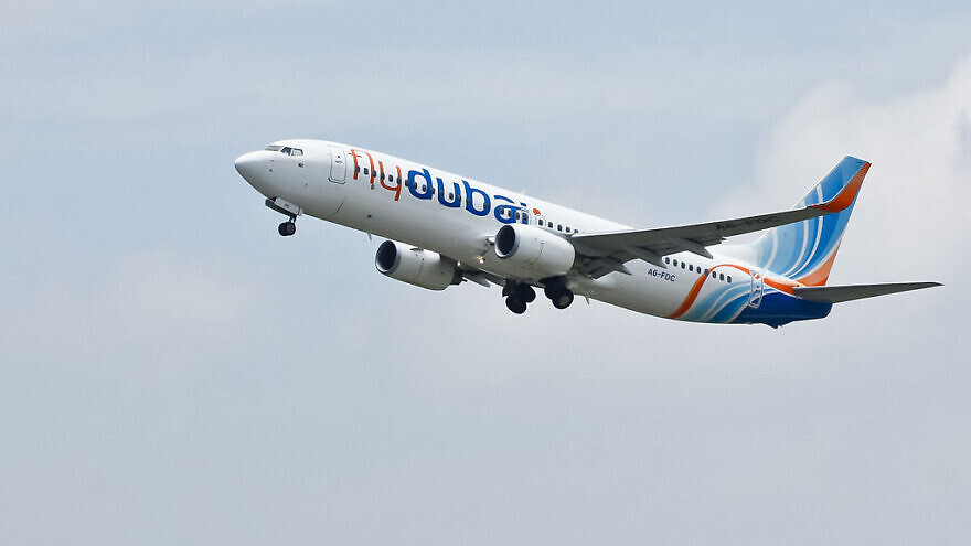 A flydubai A6-FDC shortly after taking off from Hazrat Shahjalal International Airport in Bangladesh, Aug. 3, 2012. Photo: Faisal Akram via Wikimedia Commons.