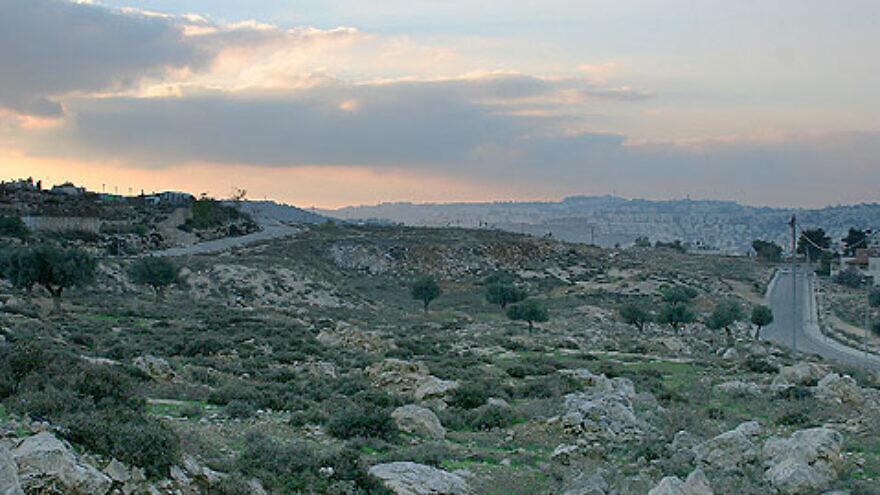 The Jerusalem neighborhood of Givat Hamatos. Credit: Avishai ka via Hebrew Wikipedia.