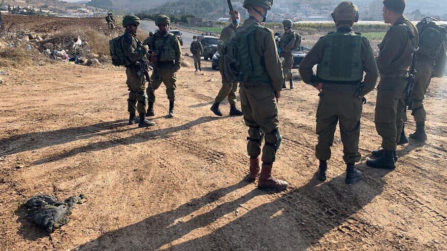 IDF forces at the scene of an attempted stabbing attack, near al-Fawwar refugee camp southwest of Hebron, on Nov. 8, 2020. Photo: Israel Defense Forces.