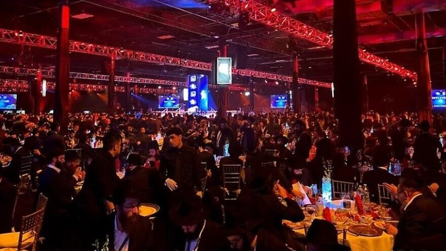Thousands of rabbis and guests at the November 2019 grand banquet. This year, even more will be getting together on Nov. 15, 2020, albeit virtually due to the global coronavirus pandemic. File Photo: Mendel Konikov/Chabad.org.
