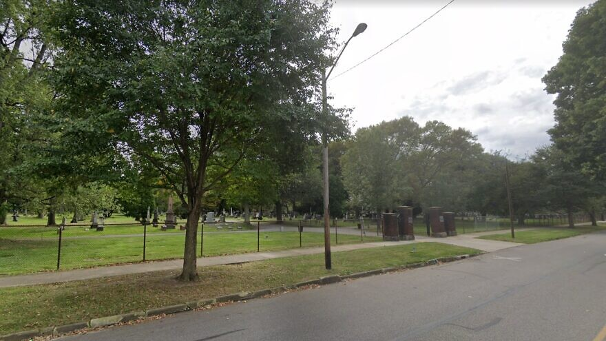 The entrance to the Lansing Avenue Jewish Cemetery in Cleveland. Source: Screenshot/Google Maps.