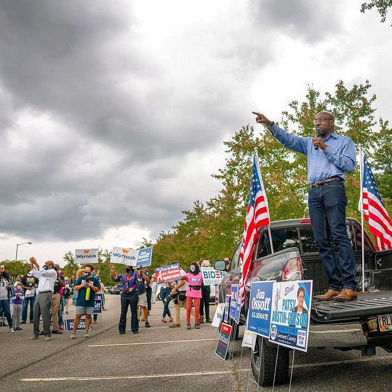 Georgia Democratic senate candidate Rev. Raphael Warnock at a campaign rally. Source: Warnock/Facebook.