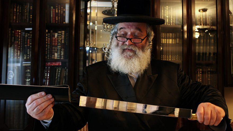 A view of a knife used for kosher slaughter by Rabbi Yitzchak Eliezer Yakav at his home in Jerusalem Jerusalem on June 12, 2011. Photo by Kobi Gideon/Flash90.