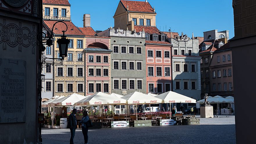 The Main Market Square in Old Town, a UNESCO World Heritage Site. Credit: Tilman2007 via Wikimedia Commons.
