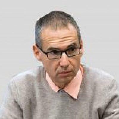 Professor Arnon Ofek