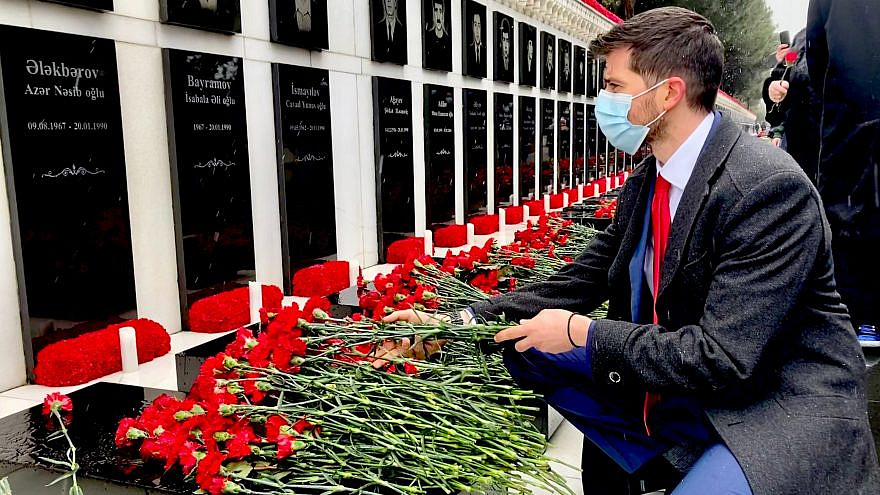 Israeli Ambassador to Azerbaijan George Deek at the Alley of Martyrs, a cemetery in Baku, Azerbaijan, on Jan. 20, 2021. Source: Twitter.