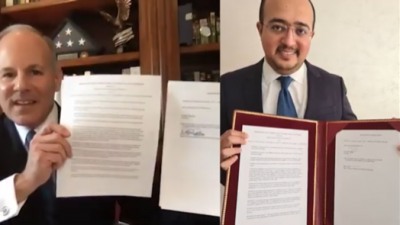Elan Carr, the U.S. State Department's Office of the Special Envoy to Monitor and Combat Anti-Semitism, and El Mehdi Boudra, president of the Morocco-based Association Mimouna, signing an MOU to combat anti-Semitism on Jan. 18, 2021. Source: Twitter/Elan Carr.