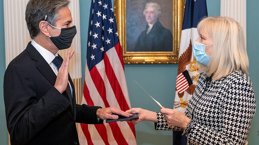 U.S. Secretary of State Tony Blinken is sworn in as the 71st U.S. Secretary of State by Acting Under Secretary of State for Management Carol Z. Perez at the U.S. Department of State in Washington, D.C., on Jan. 26, 2021. Credit: U.S. Department of State via Wikimedia Commons.