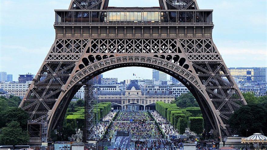 Eiffel Tower, Paris. Credit: Pixabay.