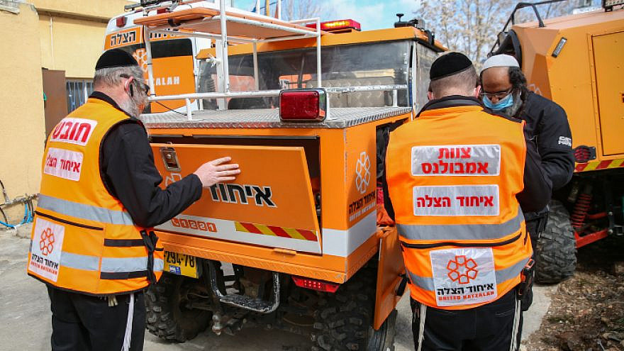 A United Hatzalah medical team in Tzfat checks its gear as Israel prepares for an impending storm, Feb.16, 2021. Photo by David Cohen/Flash90.