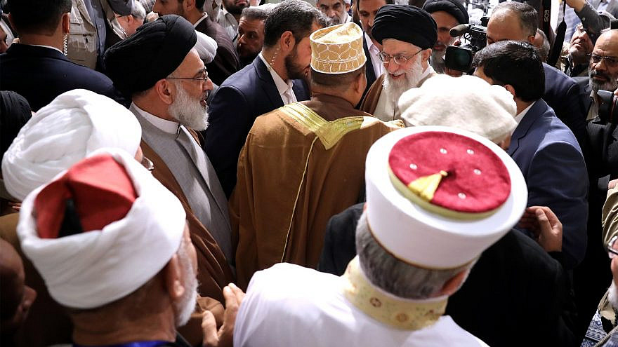 Heads of state and participants in the 31st International Islamic Unity Conference in Tehran, meeting with Ayatollah Ali Khamenei (top right) on Dec. 6, 2017. Credit: Wikimedia Commons.