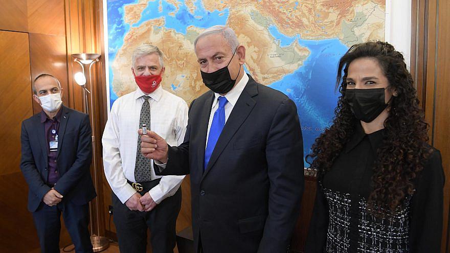 Israeli Prime Minister Benjamin Netanyahu meets with Tel Aviv Sourasky Medical Center CEO Professor Ronni Gamzu (far left), Professor Nadir Arber, director of the EXO-CD24 research project and lab director Dr. Shiran Shapira on Feb. 8, 2021. Credit: Israeli Prime Minister's Office.