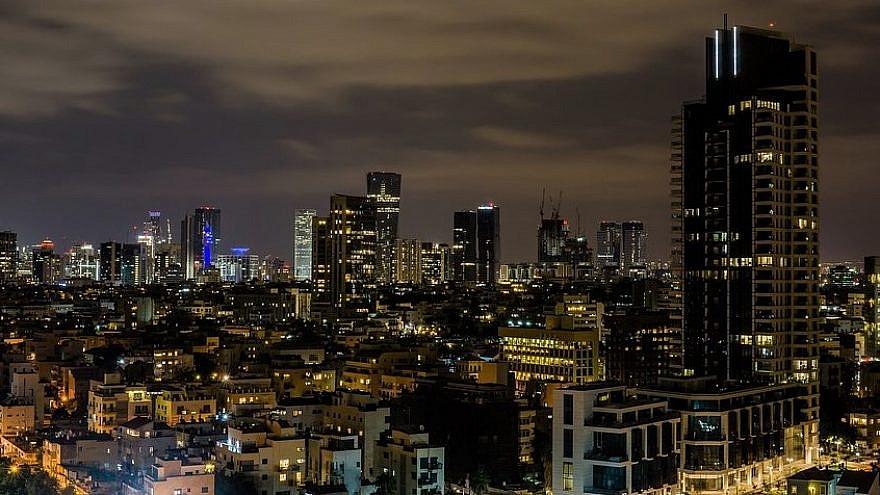 Tel Aviv night skyline. Credit: Pixabay.