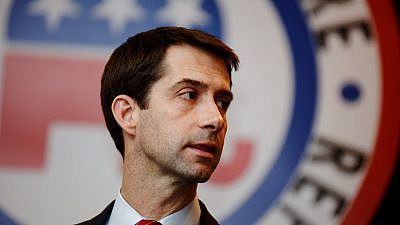 Sen. Tom Cotton (R-Ark.) at a townhall in New Hampshire, Jan. 23, 2016. Credit: Flickr/Michael Vadon.