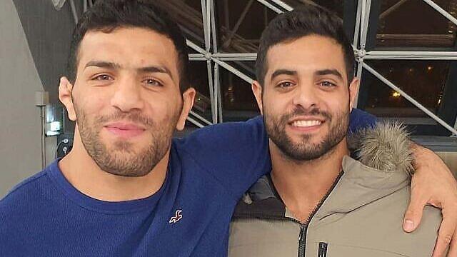 Israeli world champion judoka Sagi Muki (right) and Iranian champion Saeid Mollaei embrace at the Paris Grand Slam, Feb. 10, 2020. Source: Instagram.
