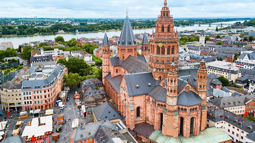 Mainz Cathedral aerial panoramic view, located at the market square of Mainz city in Germany. Credit: saiko3p/Shutterstock.
