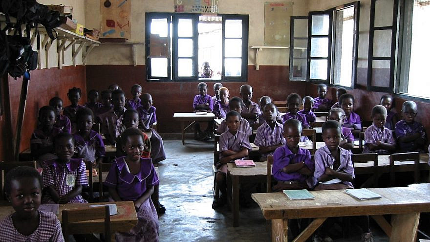 A classroom for young girls in the coastal town of Elmina, Ghana. Credit: World ORT.