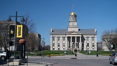 The Old Capitol building on the campus of the University of Iowa. Credit: IN Dancing Light/Shutterstock.