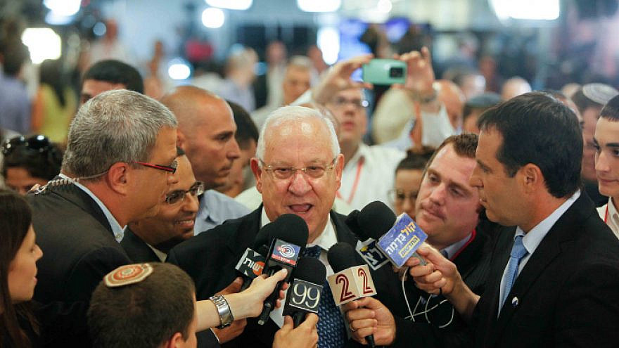 Israeli presidential candidate Reuven Rivlin speaks with the press as the parliament votes for the next Israeli president. June 10, 2014. Photo by Yonatan Sindel/Flash90.