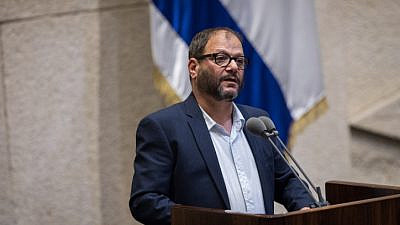 Knesset member Ofer Cassif speaks at the Knesset Plenary Hall, in Jerusalem, on May 14, 2019. Photo by Hadas Parush/Flash90.