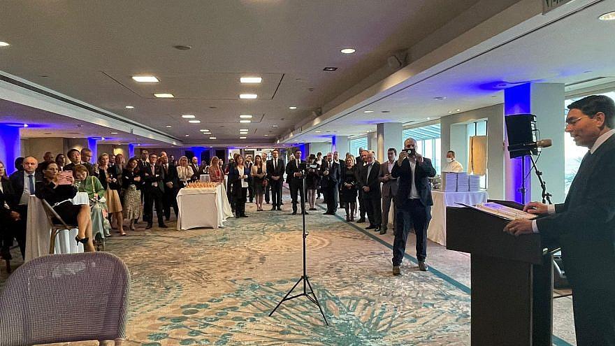 Ambassador Danny Danon delivers a speech to more than 60 foreign envoys at the Tel Aviv Hilton, April 11, 2021. Credit: Courtesy.
