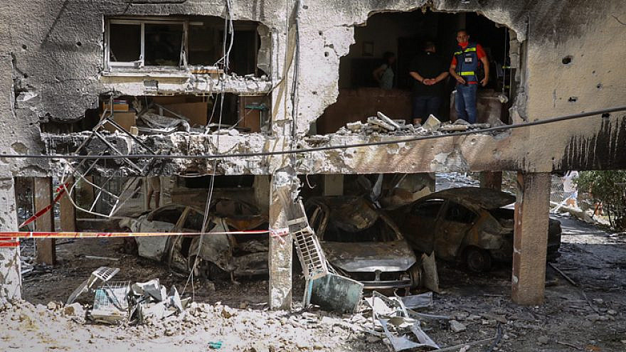 Damage to homes in the Israeli city of Petach Tikvah that were hit by rockets fired by Hamas in Gaza into Israel, May 13, 2021. Photo by Flash90.