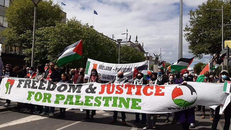 Pro-Palestinian protestors in Dublin. Source: Ireland-Palestine Solidarity Campaign/Twitter.